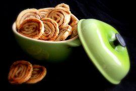 Receita de Biscoitos folhados de canela com 4 Ingredientes - Gourmet Viajante Luciana Lancellotti