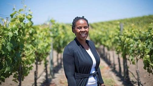 Ntsiki Biyela, a primeira-dama do vinho sul-africano