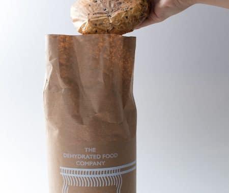 Macarrão instantâneo com embalagem comestível
