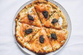 Maravilhosa! A receita da famosa pizza de salmão defumado do Spago